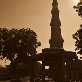 Kutub Minar! by Abhishek Majumdar - Buildings & Architecture Statues & Monuments ( madhur, sarbajit, vikram, prithvi, nitesh )
