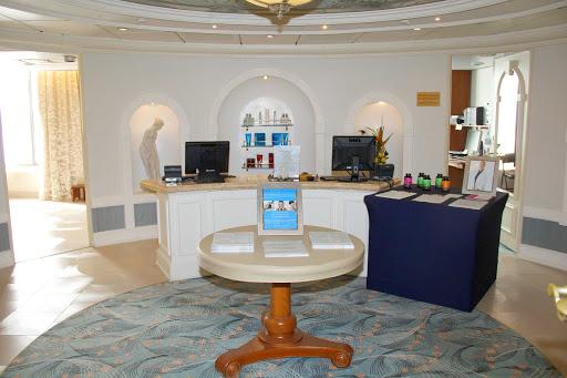 prinsendam-Salon-Reception-Area.jpg - The reception area of the Salon aboard Holland America's Prinsendam.