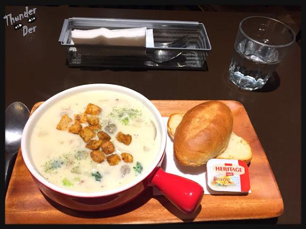 一人餐桌-古迪歐 Goody O. 天冷冷來碗超值大碗蛤蠣巧達濃湯讓你身裡心裡都是暖暖的