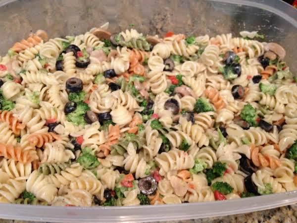 Michael's Famous Pasta Salad! Great For A Picnic Or Potluck.