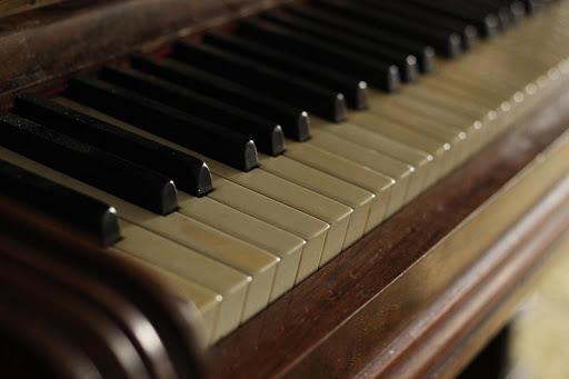 Piano instrumental