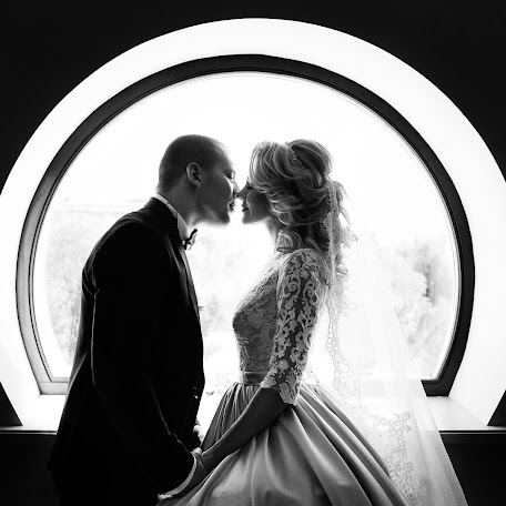 Wedding photographer Oleg Roy (olegroy). Photo of 14.03.2018