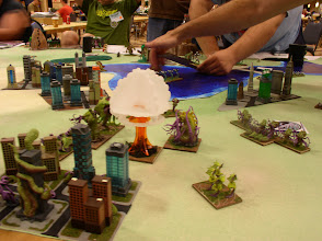 Photo: GUARD Nukes have destroyed the entire Savage Swarm faction and now move on to target the Cthulians!