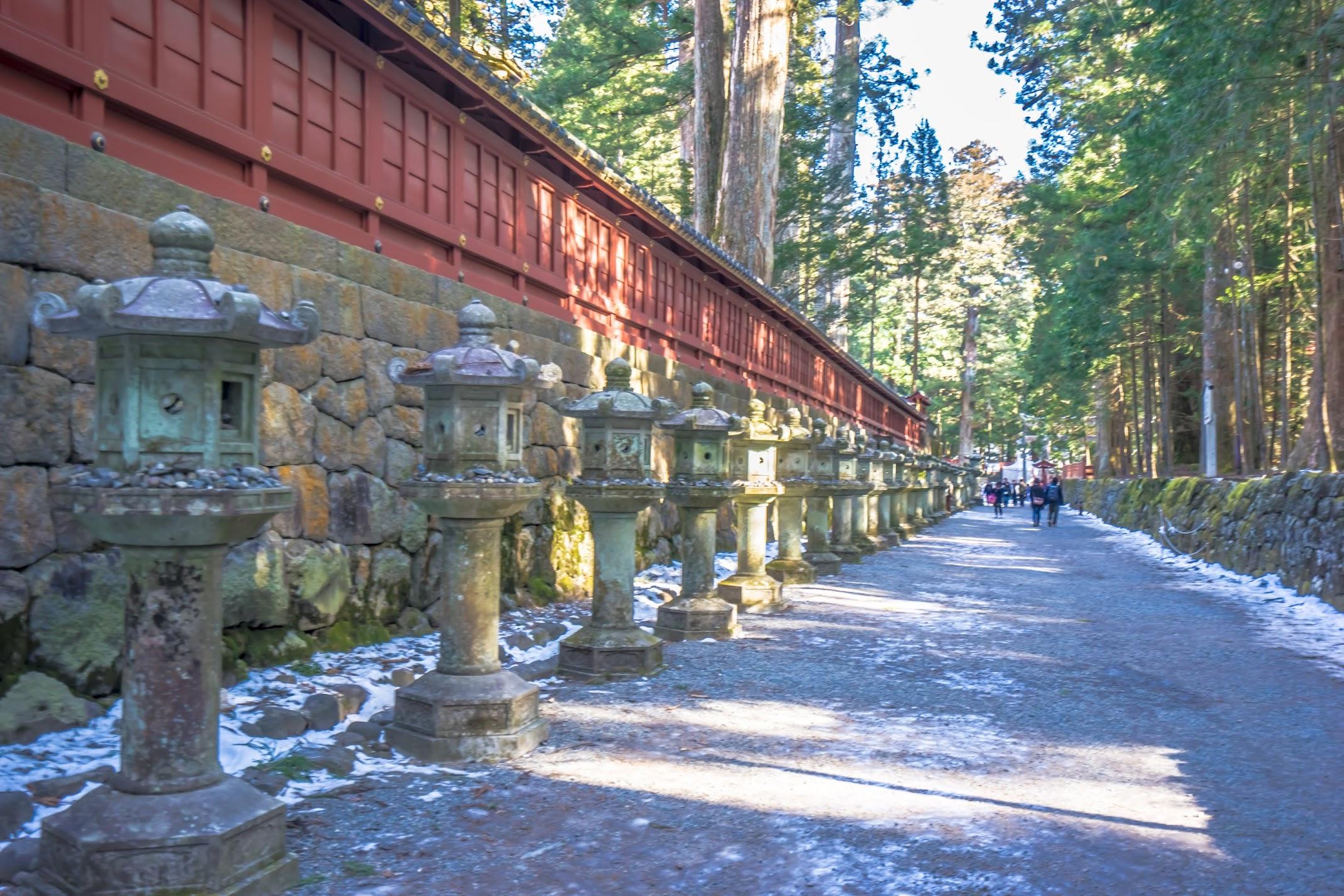 Nikko Futarasan-Jinja Shrine approach1