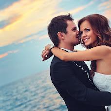 Wedding photographer Vladimir Polupoltinov (vaij). Photo of 19.08.2014