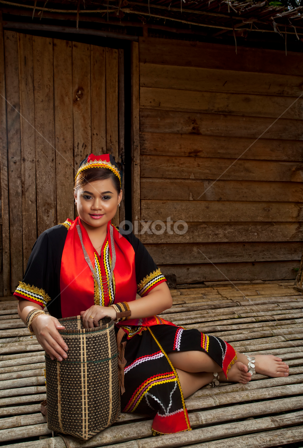 Ms Susan In Bidayuh Costume Portraits Of Women People Pixoto