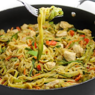 Healthy Chicken Lo-Mein with Zoodles Recipe