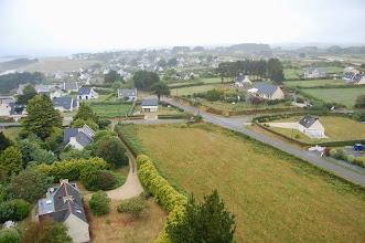 Photo: BRETANYA 2013. PLOUARZEL, Phare de Trézien, vista del poble i la costa des del cim del far.