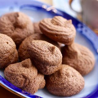 Mini Chai Spiced Meringues
