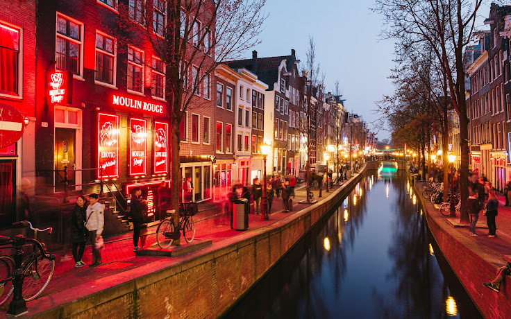 The Red Light District at dusk.  Photo: Miquel Gonzalez.