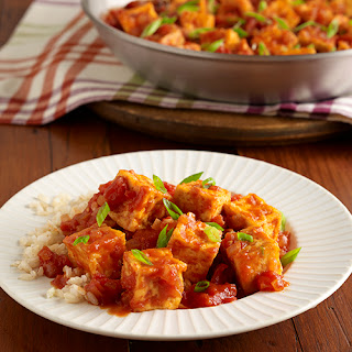Easy Fried Tofu with Spicy Tomato Sauce.