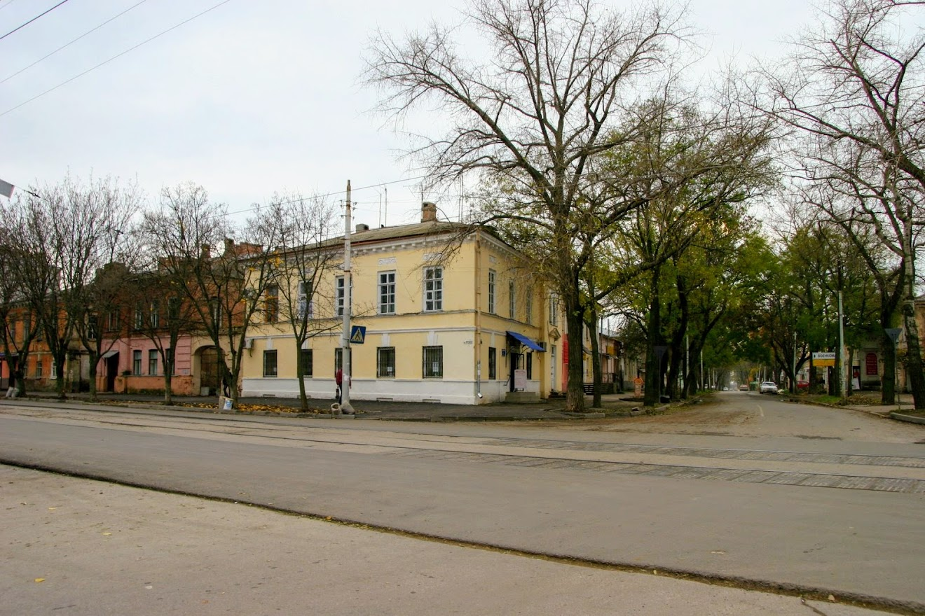 https://sites.google.com/site/istoriceskijtaganrog/frunze-ulica/dom-29