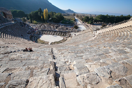 Ephesus-amphitheater1.jpg - At one time the Great Theatre of Ephesus hosted as many as 25,000 spectators.