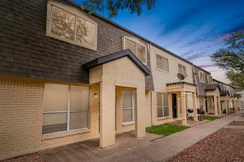 Go to Bella Vista Park Apartments website