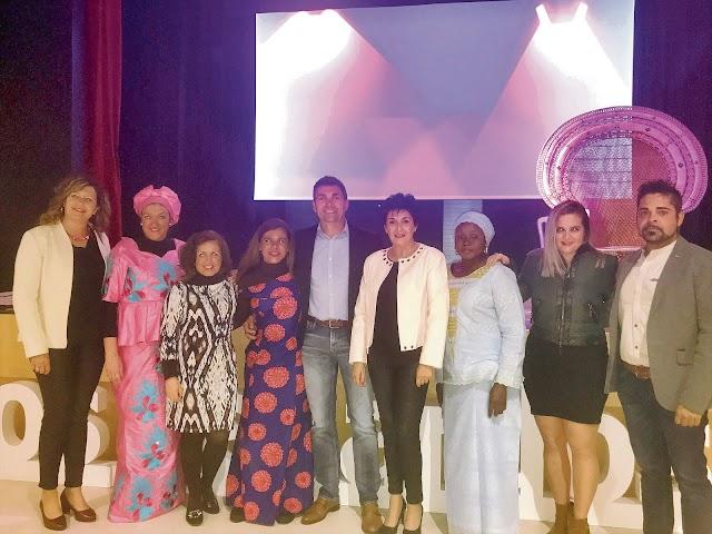 Foto de grupo tras el miccroteatro del año 2020