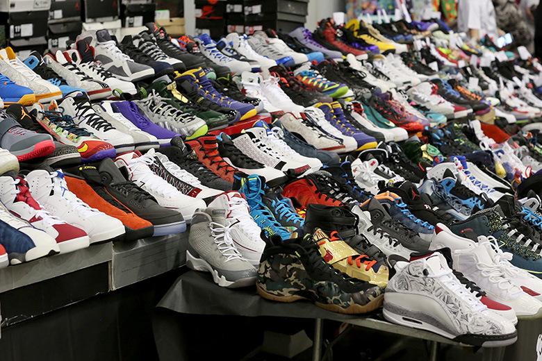 Bạn cần phải có nguồn hàng giày phong phú trong kinh doanh