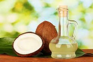 Chăm sóc da sau sinh: bôi dầu dừa hạn chế rạn da