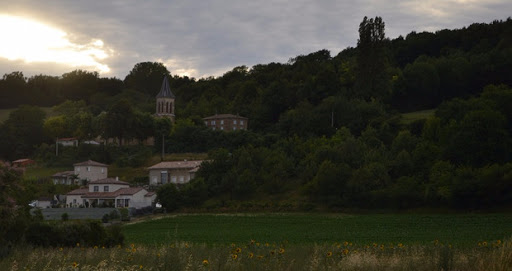 foyer Moïta sur la colline d'Hauterives