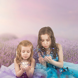 Sweet lavender Sisters by Jenny Hammer - Digital Art People ( pretty, sprakles, girls, cute, lavender )