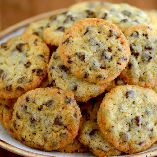 Tiny Crispy Crunchy Chocolate Chip Cookies.