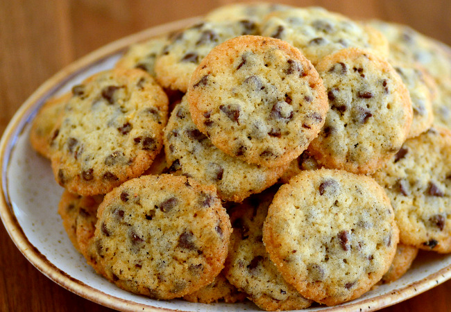 Tiny Crispy Crunchy Chocolate Chip Cookies Recipe