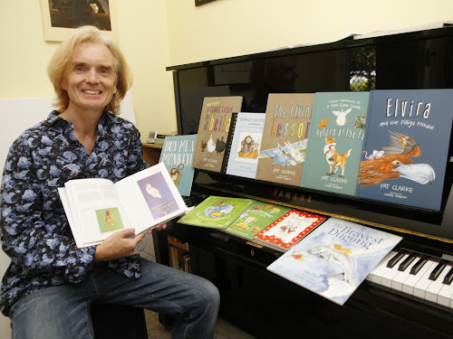 Busy Narrabri artist Graeme Compton has  an impressive portfolio of work - 10  book illustration commissions completed in the past few years, the most recent just published, and more in the pipeline.