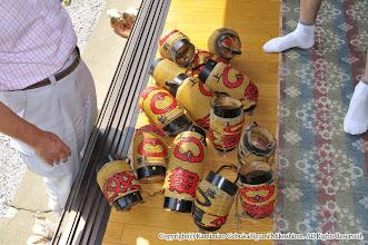 Photo: 【平成23年(2011) 太鼓開き】  神輿などの用具点検。傷んだ提灯は新調する。
