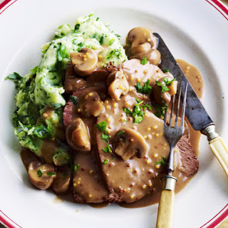 Braised Beef with Red Wine and Mushroom Sauce