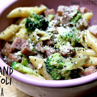 Fast One-Pan Ham and Broccoli Pasta