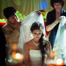Wedding photographer Sergey Piyagin (smileastana). Photo of 11.04.2013