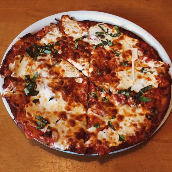 GF Margarita Pizza