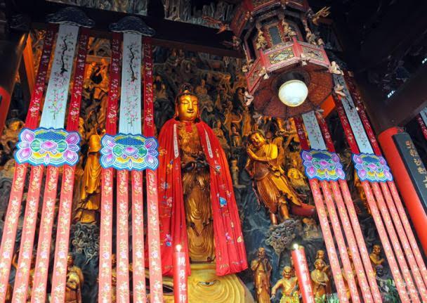 Templo do Buda de Jade (Yufo Si)