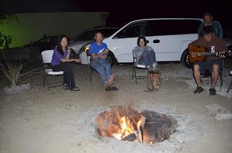 Photo: Một buổi lửa trại không thể tìm được từ bao năm nay.  Chúng tôi cùng ca bao nhiêu bản nhạc quê hương đến 3 giờ sáng