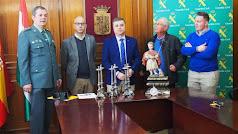 Imagen difundida por la Guardia Civil donde se ven los objetos recuperados.