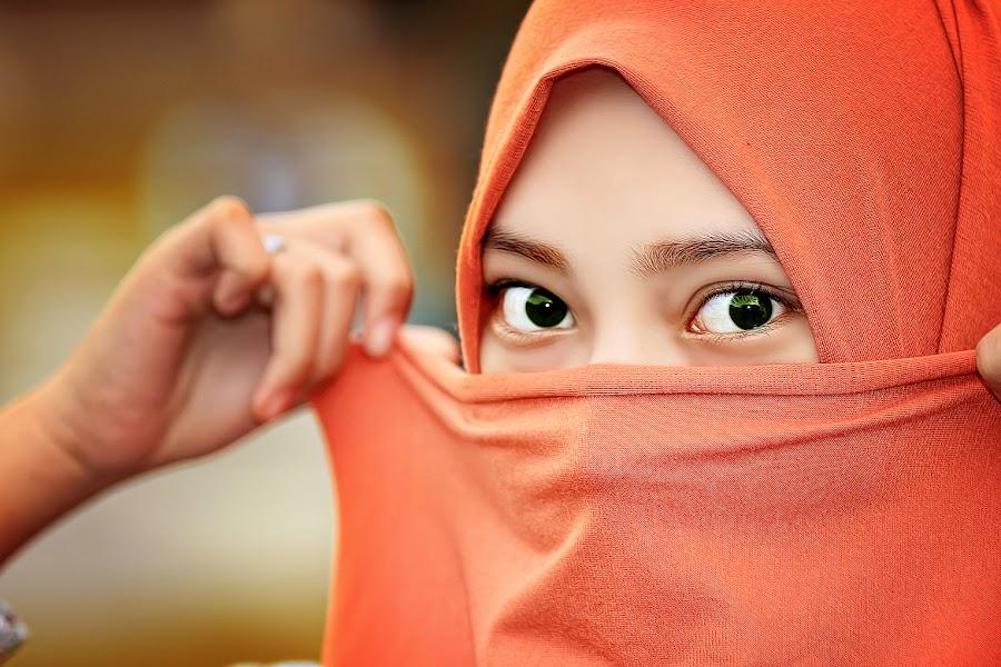 by Andi Anugrah Syarif - People Portraits of Women