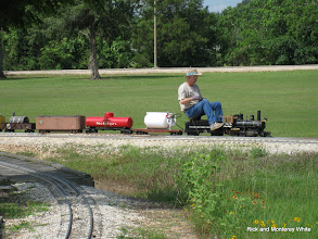 Photo: Phillip Bell on his 1.5 inch scale, 4.75 inch gauge C&S loco.  HALS SWLS 2009