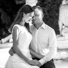 Wedding photographer Inna Ryabichenko (riabinna). Photo of 07.08.2017
