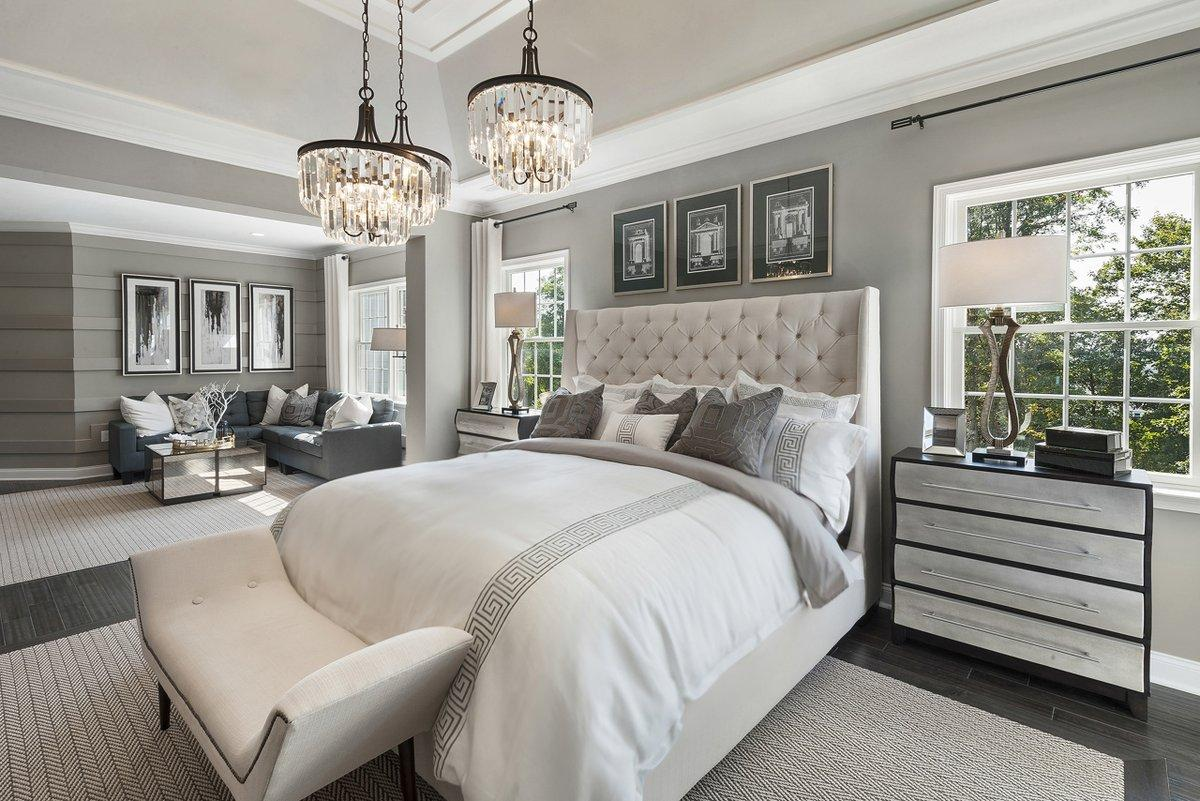 Phòng ngủ lớn có thêm sofa