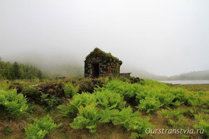 Достопримечательности Азорских островов - пешеходный маршрут к озерам