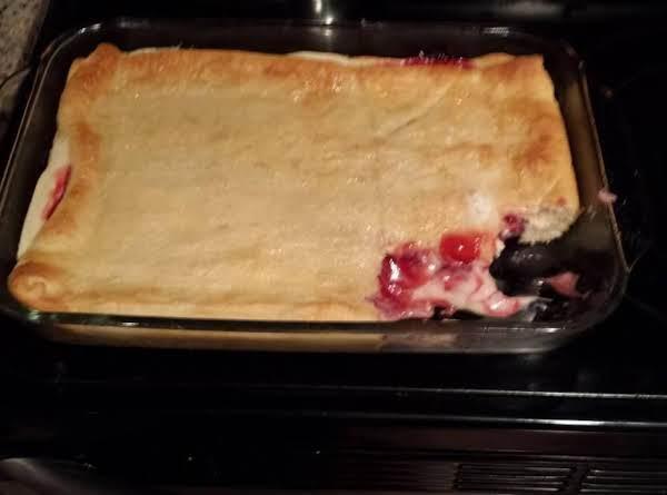 Cherry Cheesecake Bars Recipe