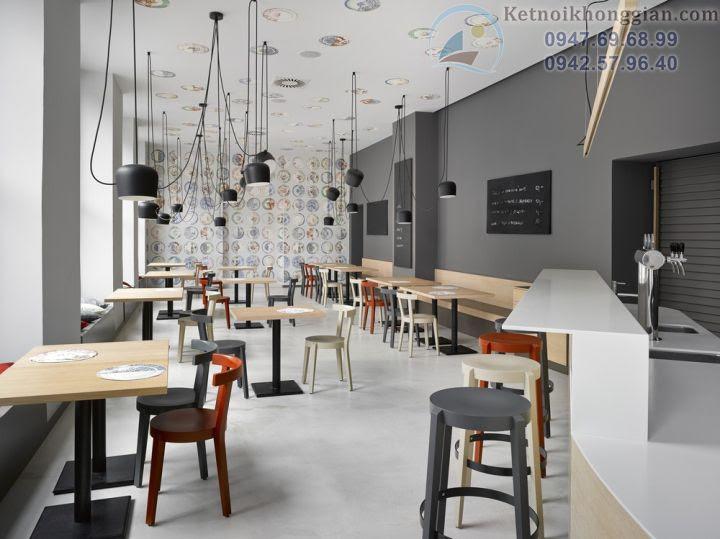 thiết kế cửa hàng bánh với nội thất đơn giản