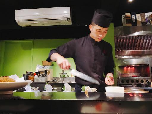 超級霹靂無敵好吃,超新鮮。日式無菜單料理ㄧ級棒!!吃過後就會成為挑食的人!無法接受不新鮮的食材了~