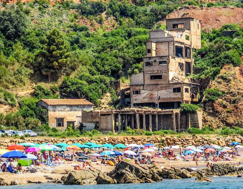 The Monster Beach di alfonso gagliardi