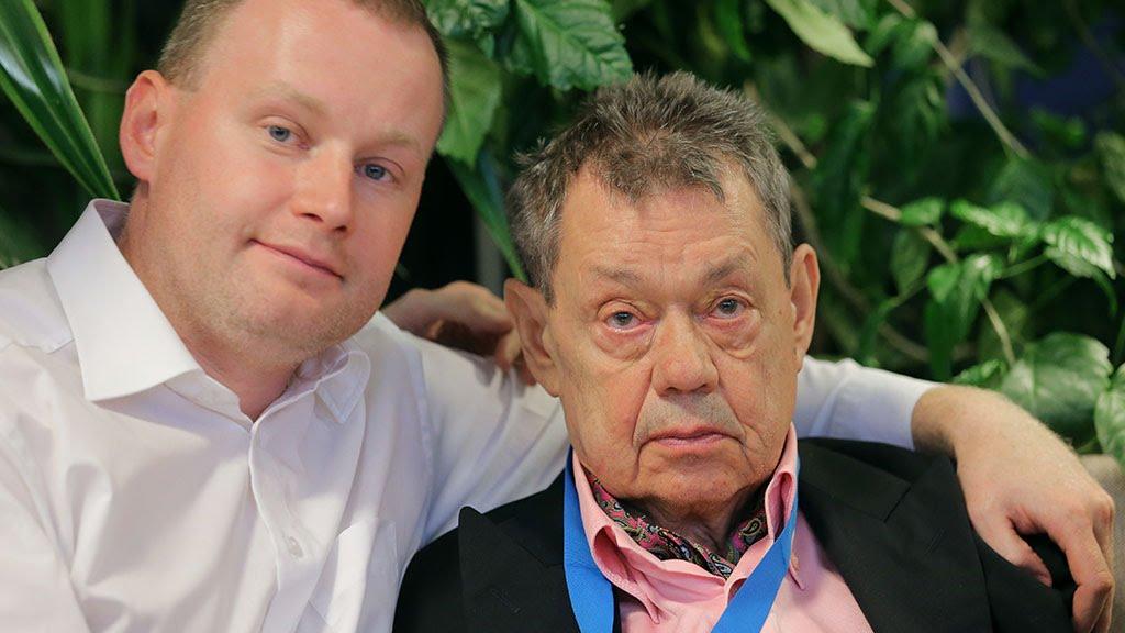 Микола Караченцов почав курс лікування від раку