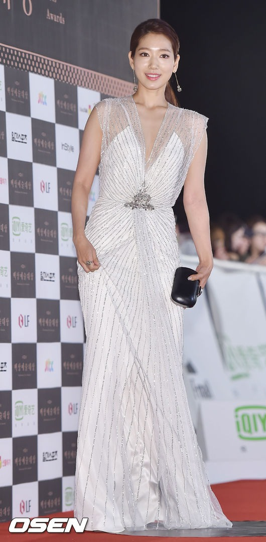 shinhye gown 4