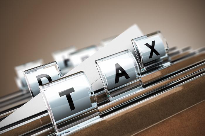 WATCH: Waarom Sars bekommerd is oor 'n belastingopstand - Business Day