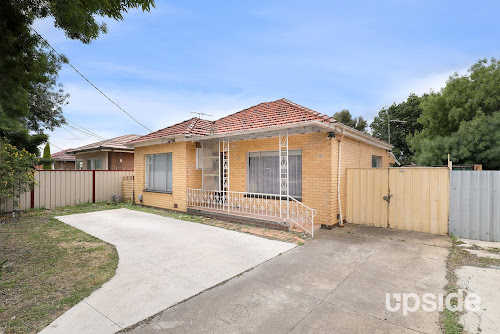 Photo of property at 12 Beaver Street, St Albans 3021