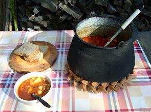Photo: Kutya gerinc (kręgosłup psa) - wianek z drewnianych elementów do ustawiania na nim bogracza.