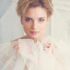 Wedding photographer Elena Zayceva (Zaychikovna). Photo of 19.03.2014