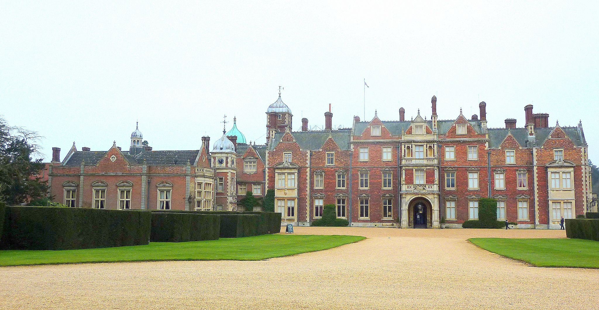 After Edward Vii Added The Two Wings And 18 Bedrooms To Second Floor Major Alterations At Sandringham Stopped